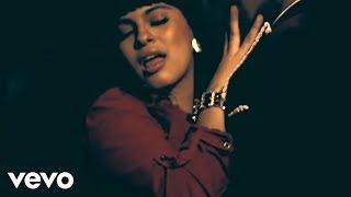 Ella No Se Enamora - Vakero feat. Melymel (Video)