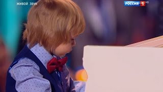 Пятилетний пианист покорил всю страну
