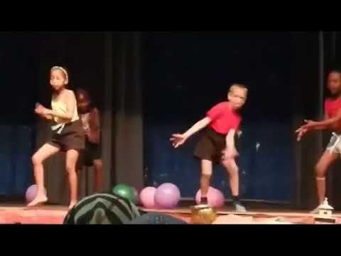 Mlungu Kid Dancing Kasi Style Full Video