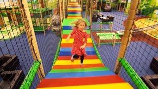 Leo's Lekland Linköping (indoor play family fun)