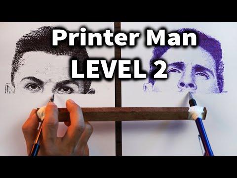 單手用兩隻筆「同時」畫C羅&梅西!