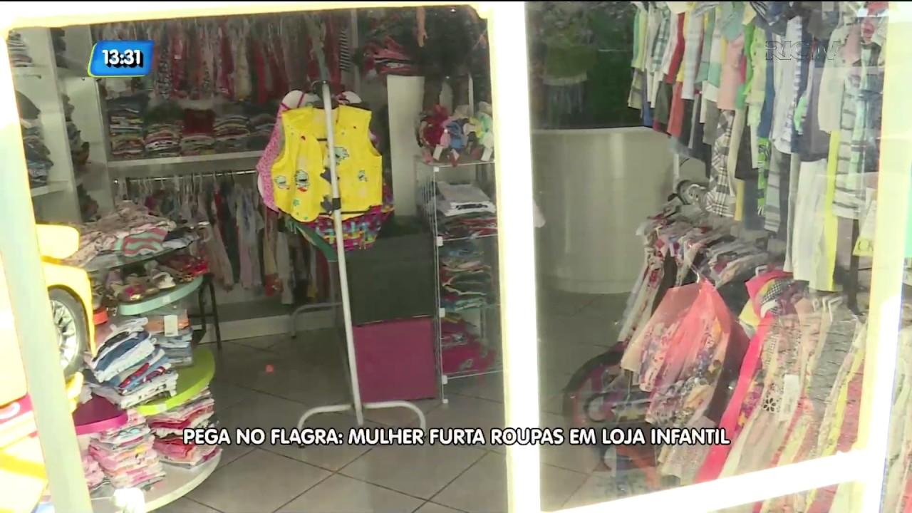 662ddda7a Pega no flagra  mulher furta roupas em loja infantil