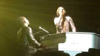 Alicia Keys & John Legend - Ordinary People (Live) O2 London.
