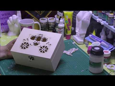 Eine Box zur Hochzeit aus Holz und Spitze