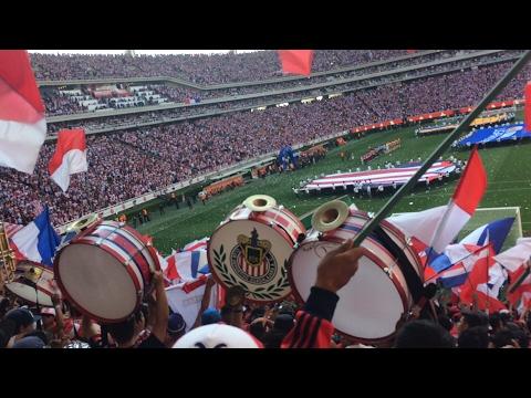 """""""Todo el estadio festeja 2-0! Del Gallito Chivas vs Tigres FINAL CL 17"""" Barra: La Irreverente • Club: Chivas Guadalajara"""