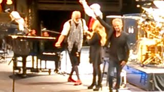 "Fleetwood Mac encore Finale of ""Songbird"" with Stevie Nicks outro..."