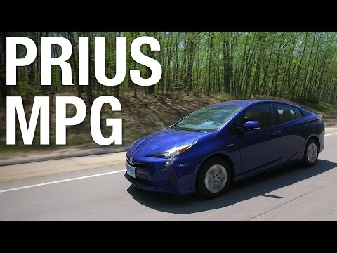 fuel economy champion 2016 toyota prius returns 52 mpg combined autoevolution. Black Bedroom Furniture Sets. Home Design Ideas