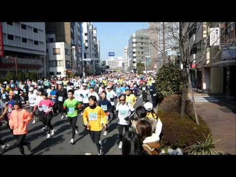 平成23(2011)年2月27日 東京マラソン(目白通り 飯田橋駅付近