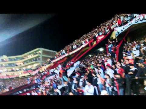 """""""Colon... Esta es tu Hinchada ♪♫"""" Barra: Los de Siempre • Club: Colón"""