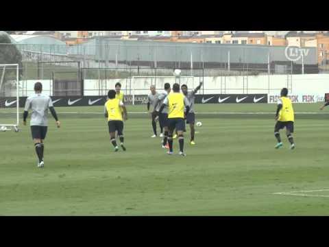 Paulinho marca dois belos gols em coletivo
