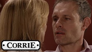 Coronation Street - Nick Manages to Seduce Leanne
