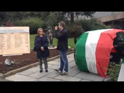 Fratelli d'Italia manifesta per i Maró al processo Finmecca