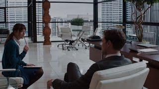 Интервью у миллиардера Кристиана Грея  — «Пятьдесят оттенков серого» (2015) сцена 1/10 HD