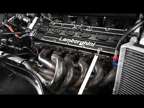 Minardi M192 F1 Car Warming Up its Lamborghini V12 Engine!