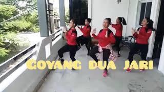 "Viral!!! ""Goyang Dua Jari"" By Sandrina With Uki Tea, Dian Studio Bekasi"