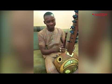 "<a href='https://www.akody.com/culture/news/culture-sidiki-diabate-execute-l-abidjanaise-avec-sa-kora-322505'>Culture: Sidiki Diabaté exécute ""l'Abidjanaise"" avec sa Kora</a>"