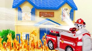 Щенячий патруль МУЛЬТИК ИЗ ИГРУШЕК!  Видео про игрушки. Спасение БАБУШКИ из горящего дома! 🔥