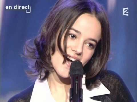 """Alizee """"Ella, Elle l'a"""" 2003 tribute to France Gall!"""