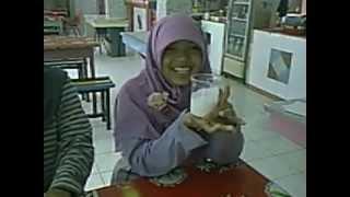 preview picture of video 'Galihway_Fermentasi_VCO_Ekskul_KIR_ 2012'