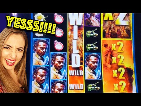 SWEET LINE HIT! ZOMBIE HORDE on TWD in Vegas!