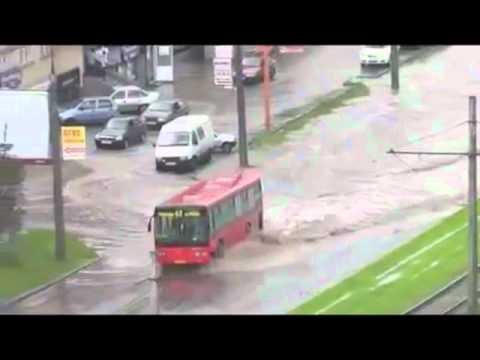Το λεωφορείο που δε μασάει μία!