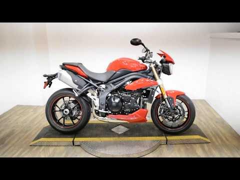 2015 Triumph Speed Triple ABS in Wauconda, Illinois - Video 1