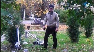 Вандал сломал два фонаря рядом с бюстом Дмитрия Балашова