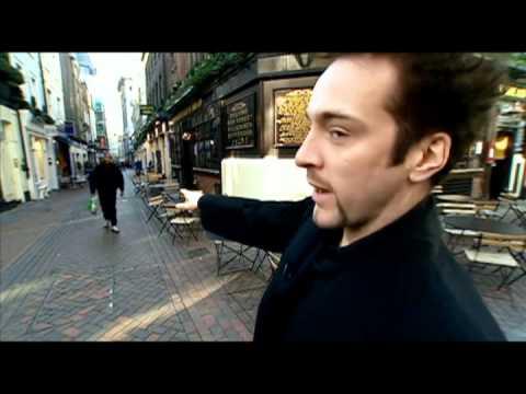 Derren Brown hádá povolání kolemjdoucích