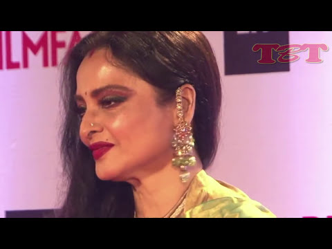 Rekha HOT And Sizzling Scene With Akshay Kumar