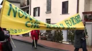 preview picture of video 'Piancastagnaio, 15 Dicembre 2012. Sos Geotermia: 'NON E' QUESTO IL FUTURO CHE VOGLIAMO!''