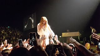Gambar cover 'Moderation' (NEW SONG) - Florence + the Machine LIVE   Auckland, New Zealand 2019