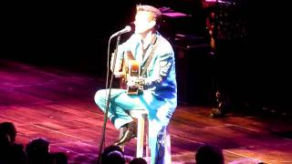 Chris Isaak Amphitheatre Lyon 2010 (You Don't Cry Like I Do)