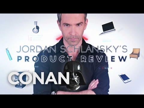 Jordan Schlansky recenzuje masku Darth Vadera - CONAN