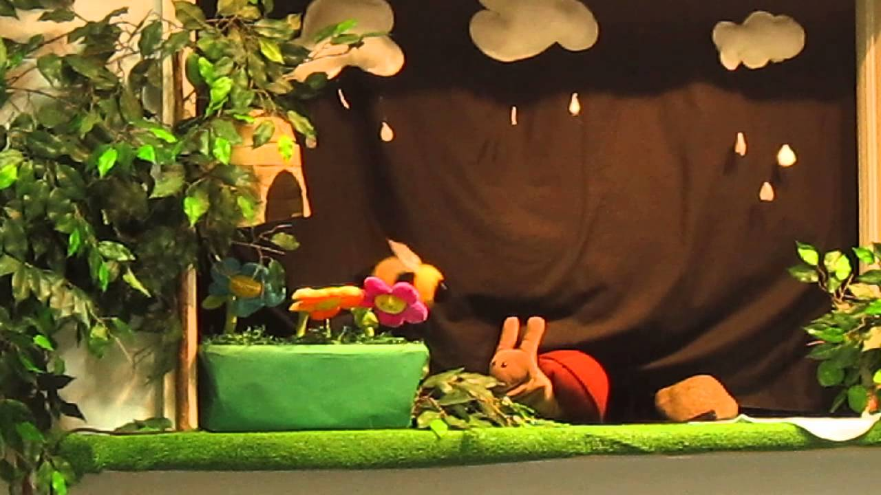Puppet Show for Kids - Buzzy Bees on a Rainy Day