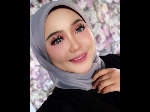 MUA Nur Syafinaz Utaqha : Glitter Eyes Makeup