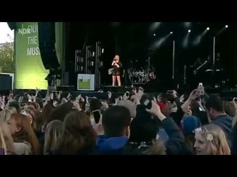 Jessie J Flashlight Live Hannover 2015