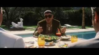 Trailer of Ocean's Eleven (2001)