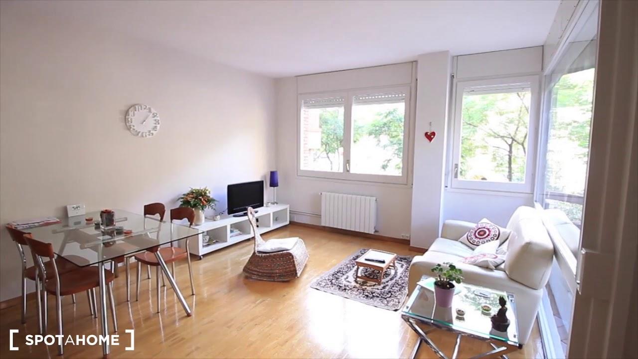 Room for rent in 2-bedroom house in Sarrià-Sant Gervasi