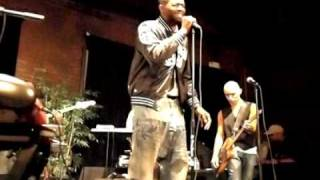 Terrance Downs Performs Giving Up by Donny Hathaway Live.avi