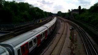 preview picture of video 'Metropolitan Line  S8 Stock 21051/52 heading towards Harrow on the Hill on 20/06/12'