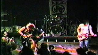 D.R.I. (Austin 1985) [02]. Snap