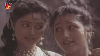 Samsarala Mechanic Scene - Divya Vani sings about her