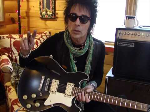 Earl Slick on his guitar collection
