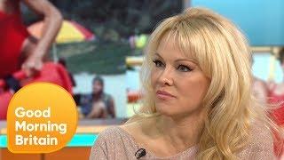 Pamela Anderson Is Concerned About Julian Assange