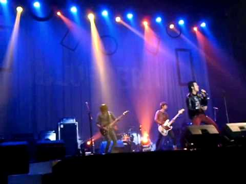 Blueberry - Tinggalkan Cerita Cinta (new arrangements) on Grand Stage LA Start Up 2012