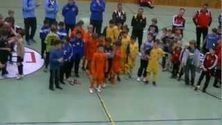 preview picture of video 'U10 FAC beim Hallenturnier in Mistelbach 30.12.2012'