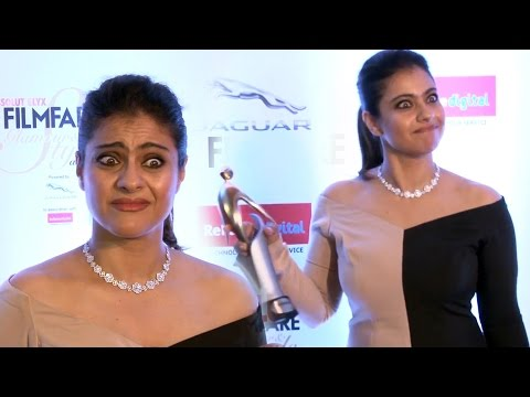 Hot Kajol at Filmfare Glamour and Style Awards 2016