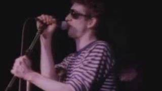 The Pogues – Thousands Are Sailing