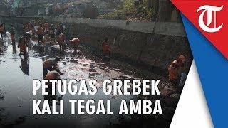 Ratusan Personel Grebek Sampah di Kali Tegal Amba Jakarta Timur