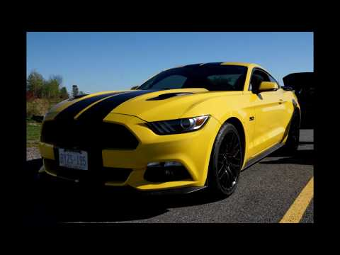 73 Plymouth Duster vs 15 Mustang GT 1/4 Drag Race